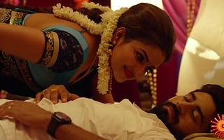 Nandhini Serial Nithya Ram Hot Seducing Moves with Cleavage Show)