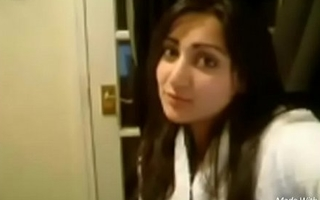 Pakistani bhabhi showing sexy boobs and pussy