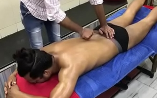 Amazing Body Rub-down By Indian Barber