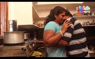 Sexy desi masala aunty seduced by a teen boy