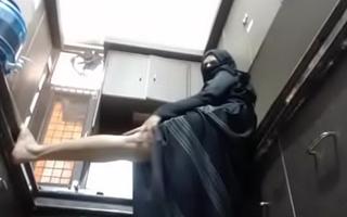 indian muslim aunty teasing fingertips