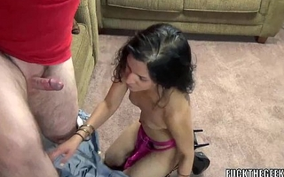 Indian slut Naomi Shah is on her knees and sucking detect